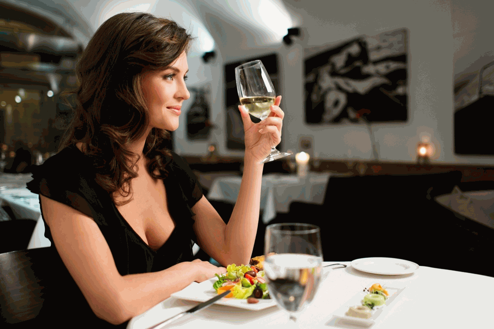 3 Things I Learned Eating Alone at Restaurants For a Week