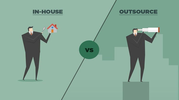 In-House or External – Which Route Should You Take with Your IT Support Needs?